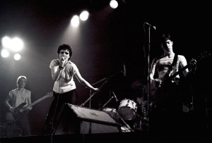 Siouxsie and the Banshees, 1977 (photog unknown).